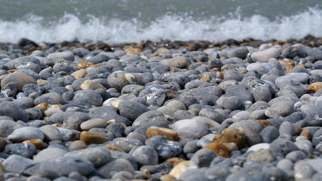 pebble-beach-1191755-1920.jpg